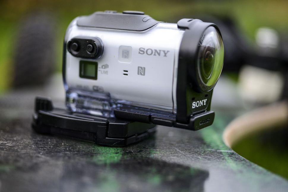 Sony-екшън-камера-спортна-камера